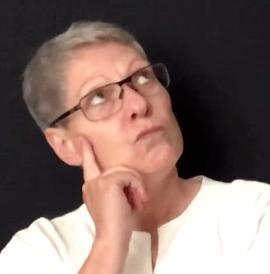 Susanne Richter schaut nachdenklich